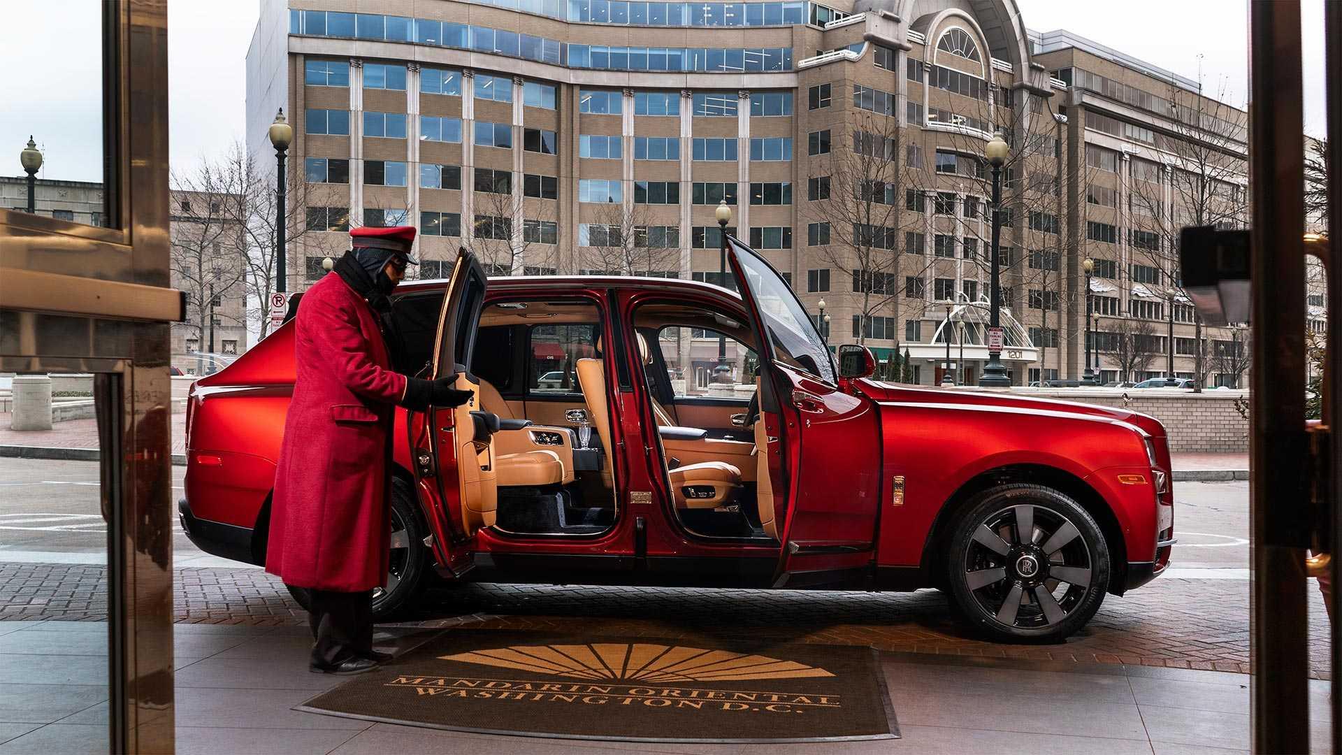 Rolls-Royce сделал особые автомобили по случаю года свиньи 2