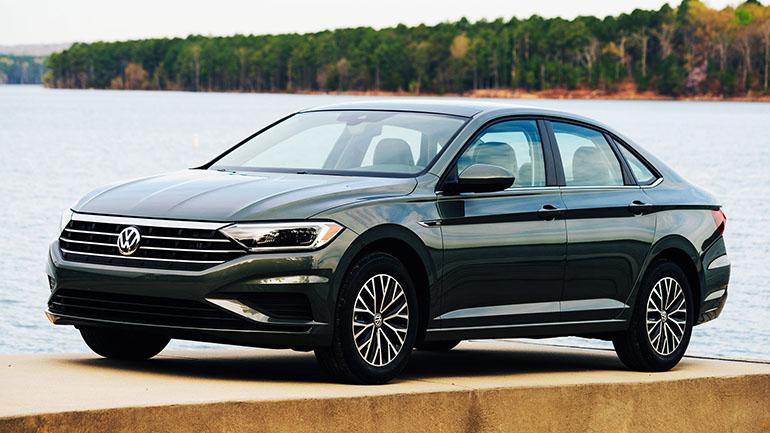 Продажи удлинённого седана Volkswagen Jetta стартуют в марте 1