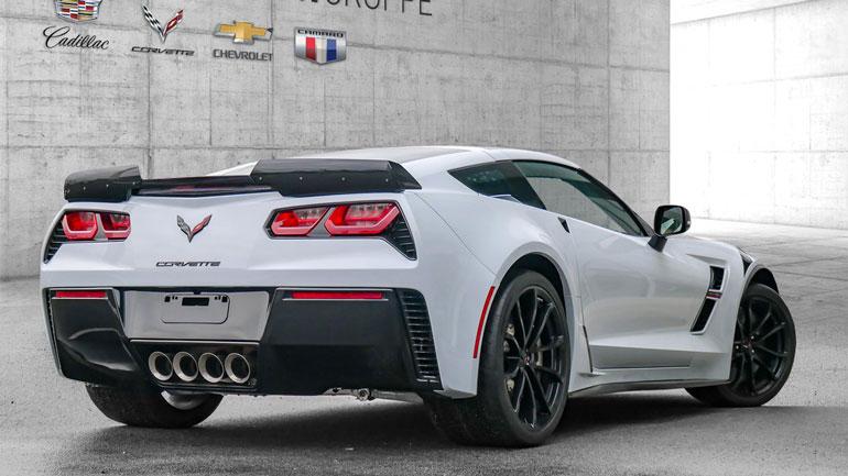 Спорткар Chevrolet Corvette Final Edition вышел в двух модификациях 2