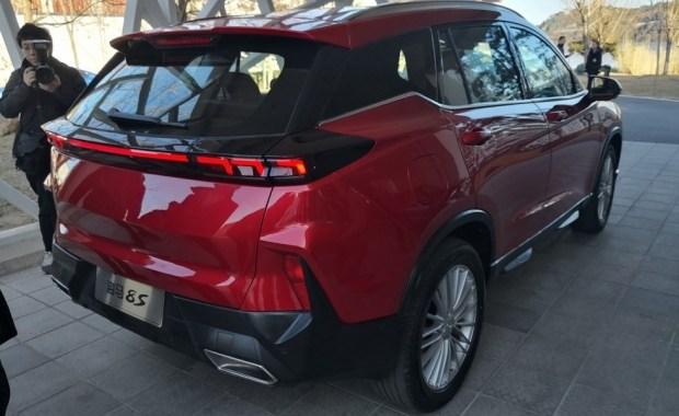 Китайцы представили серийный кроссовер в стиле Hyundai Santa Fe 3
