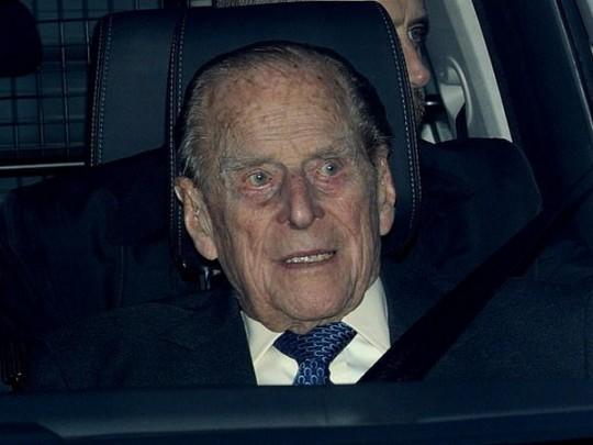 Муж королевы Великобритании извинился за ДТП 1