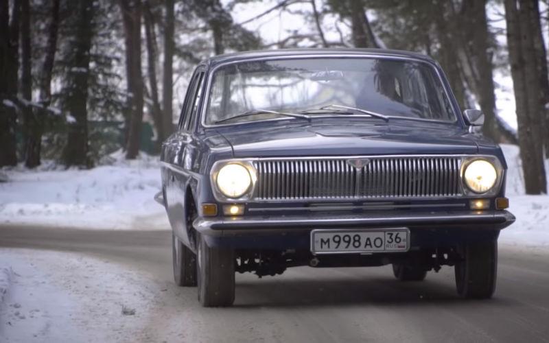 Белорусы превратили ржавую Волгу в мечту коллекционера 1