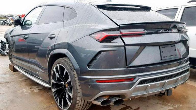 Разбитый в ДТП Lamborghini Urus продают за 115 000 долларов 2
