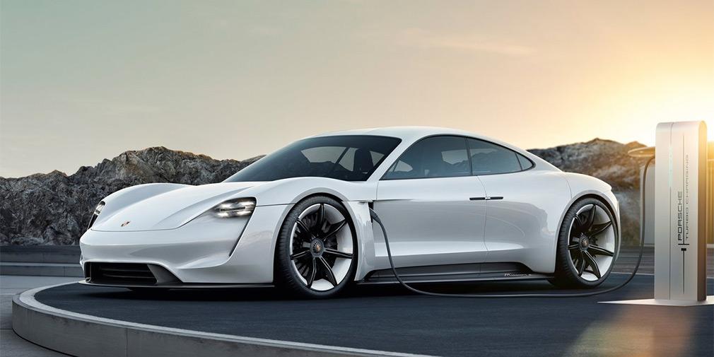 Porsche адаптирует свой первый электрокар к зиме 1
