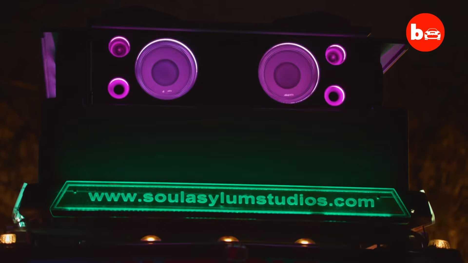 Из Hummer сделали сверхмощную музыкальную шкатулку 3