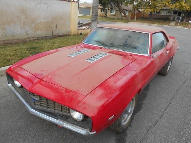 На eBay выставили Camaro 1969 года который простоял в ангаре 20 лет 1