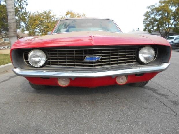 На eBay выставили Camaro 1969 года который простоял в ангаре 20 лет 3