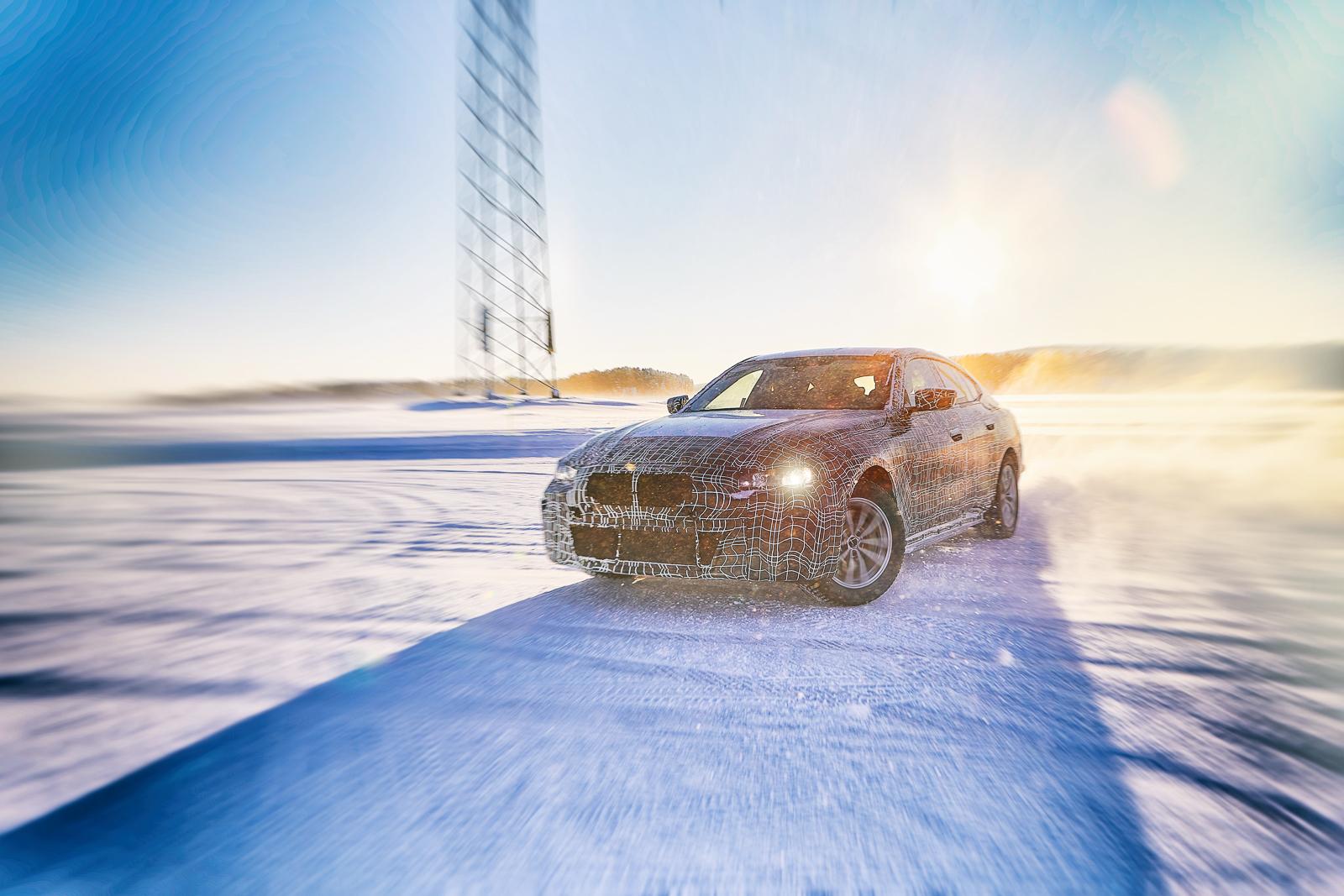 BMW опубликовала фотографии сразу трёх новых моделей 1