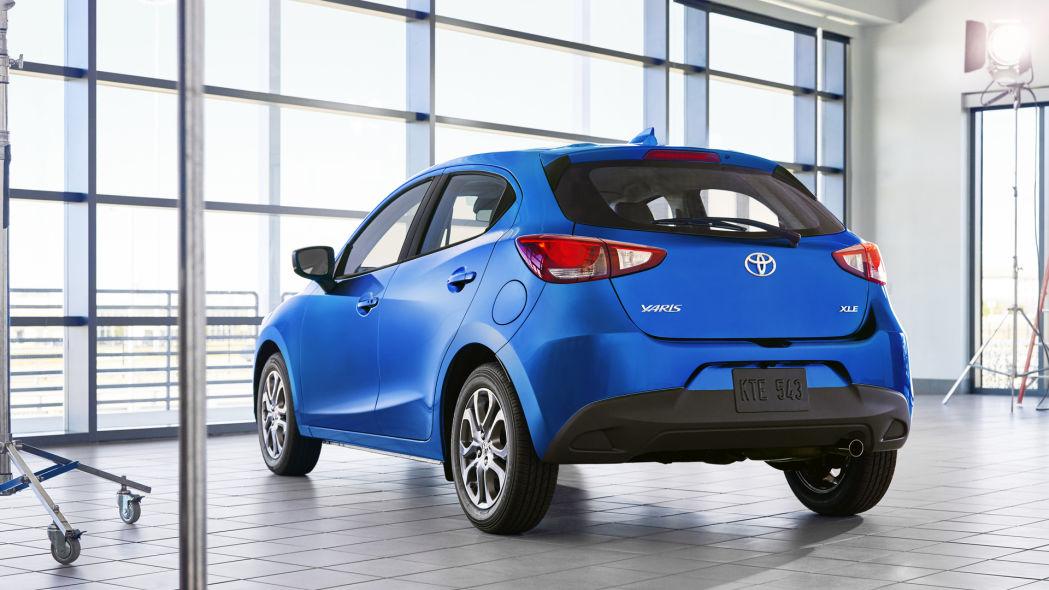Mazda2 превращается в элегантный хэтчбек Toyota Yaris 2