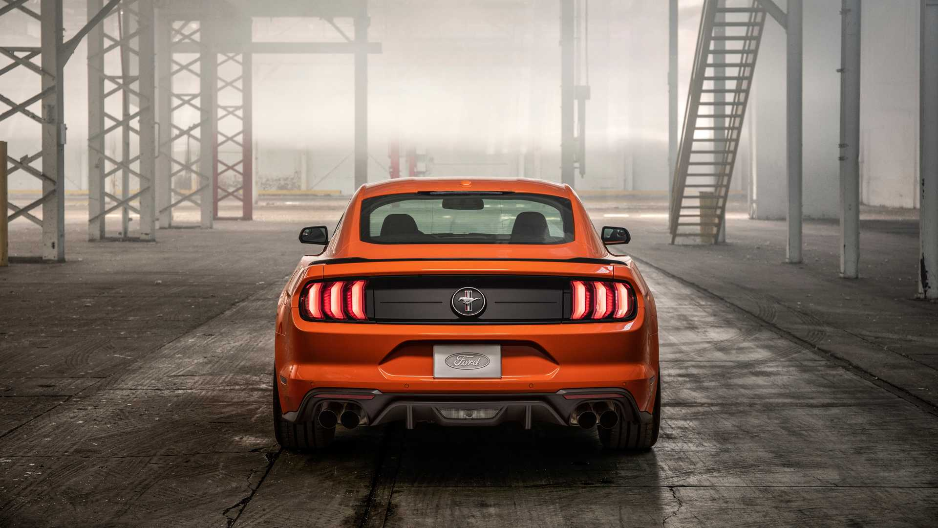 Ford представил 330-сильный Mustang 2.3L High Performance Package 3