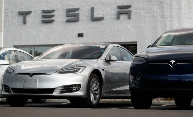Tesla снова не успевает: спрос на Tesla Model 3 опережает производство и доставку 1