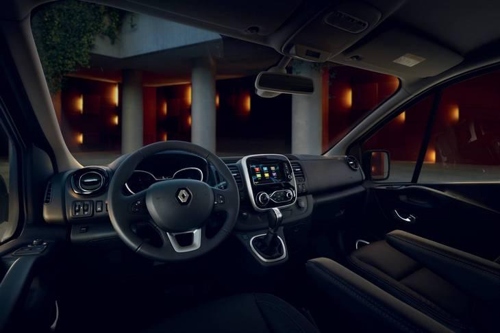 Renault обновила микроавтобусы Master и Trafic 2