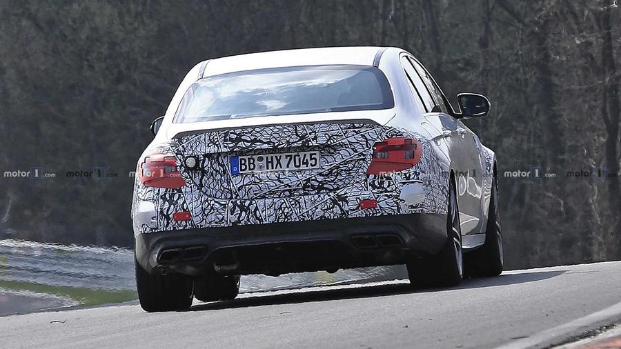 Обновленный Mercedes-AMG E63 замечен на Нюрбургринге 2