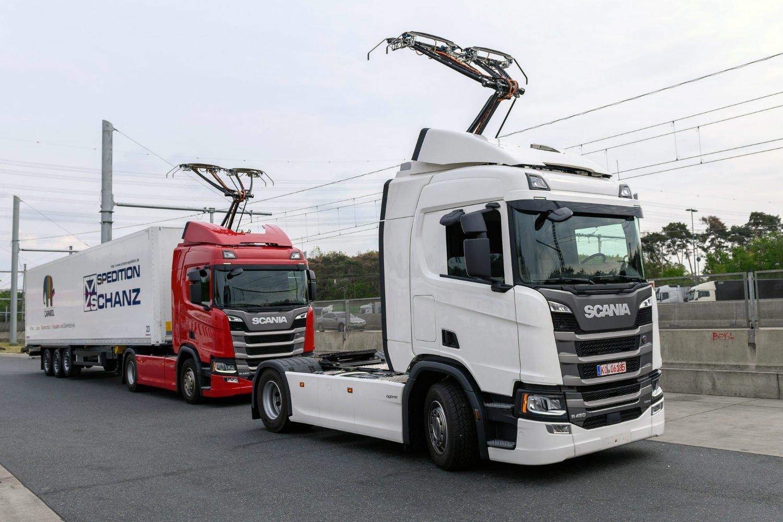 В Германии открылся первый электрический автобан  1