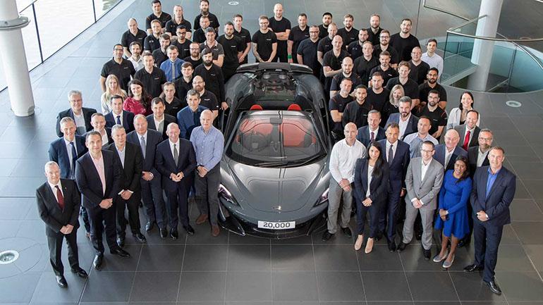 На заводе McLaren в Уокинге собран юбилейный 20-тысячный суперкар 1