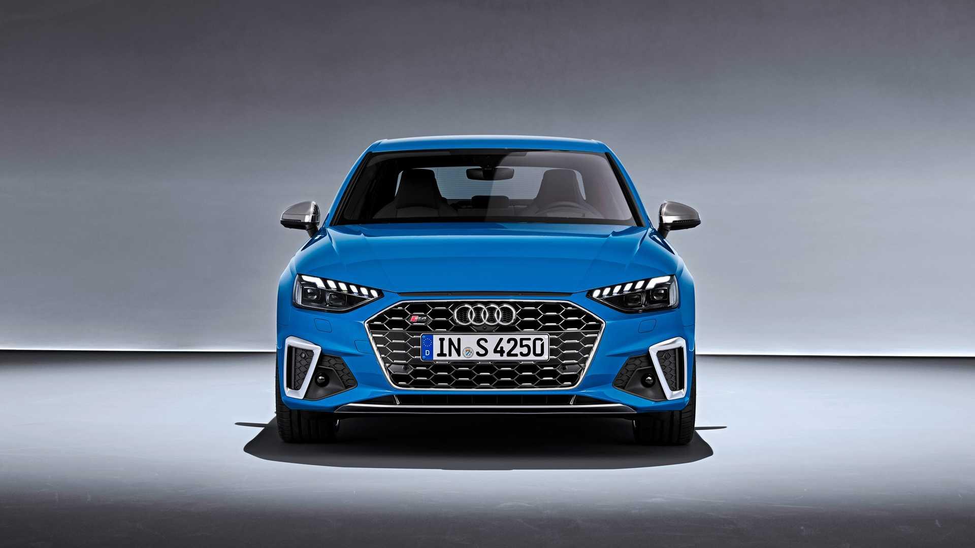 Audi показала рестайлинговое семейство A4 1