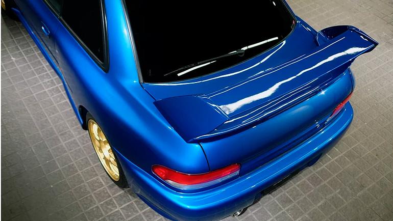 Редкую Subaru Impreza продают в Японии 2