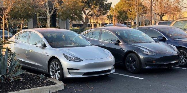 Трамп отказал Tesla в освобождении от налога 1