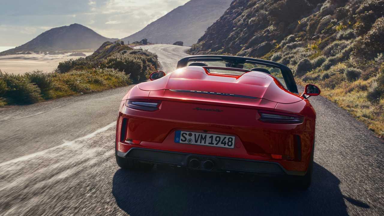 Porsche представил серийный 911 Speedster 2