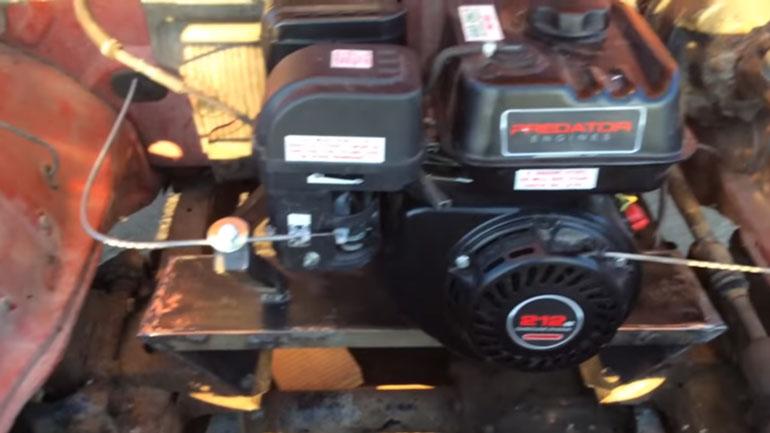 40-летний пикап Dodge Ram оснастили 0,2-литровым двигателем от газонокосилки 1