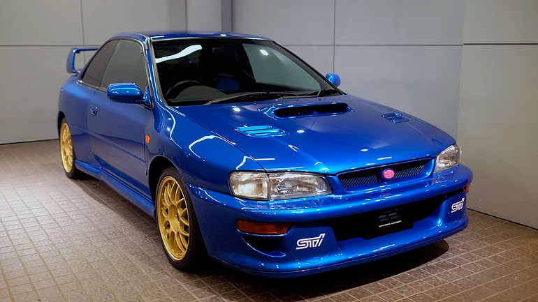 Редкую Subaru Impreza продают в Японии 1