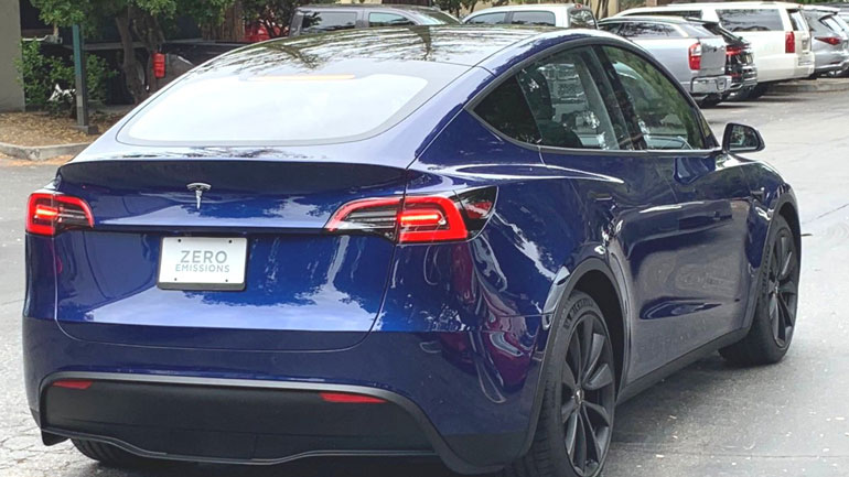 Первый Tesla Model Y тестируется на дорогах общего пользования 1