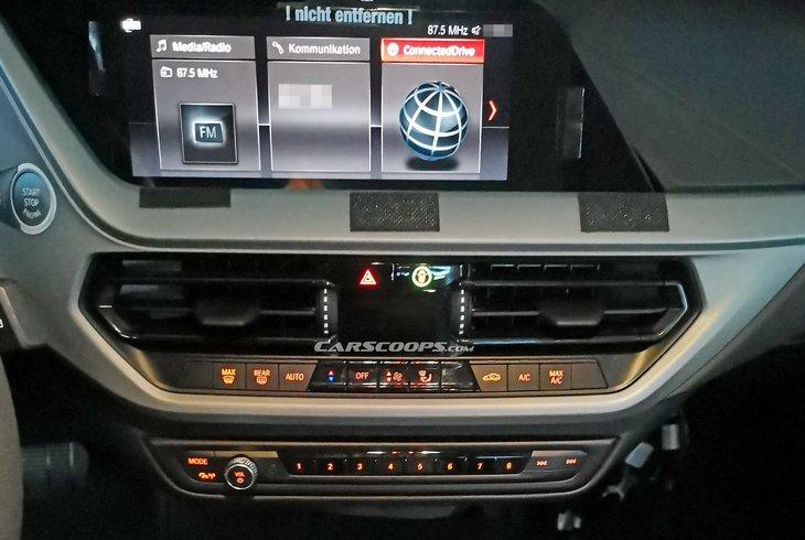 Фотошпионы рассекретили интерьер новой BMW 1 Series 4