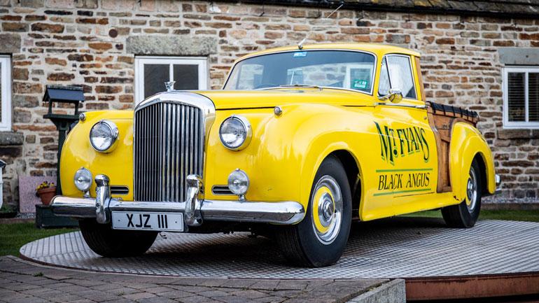 Уникальный пикап Bentley продадут на аукционе 1