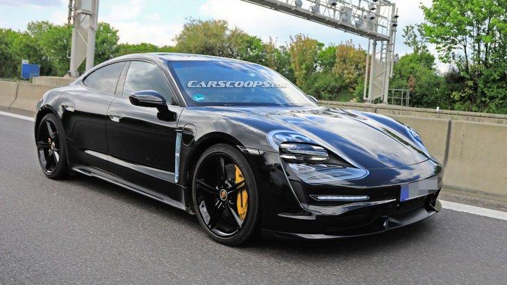 Новый электрический Porsche Taycan сняли почти без камуфляжа 1