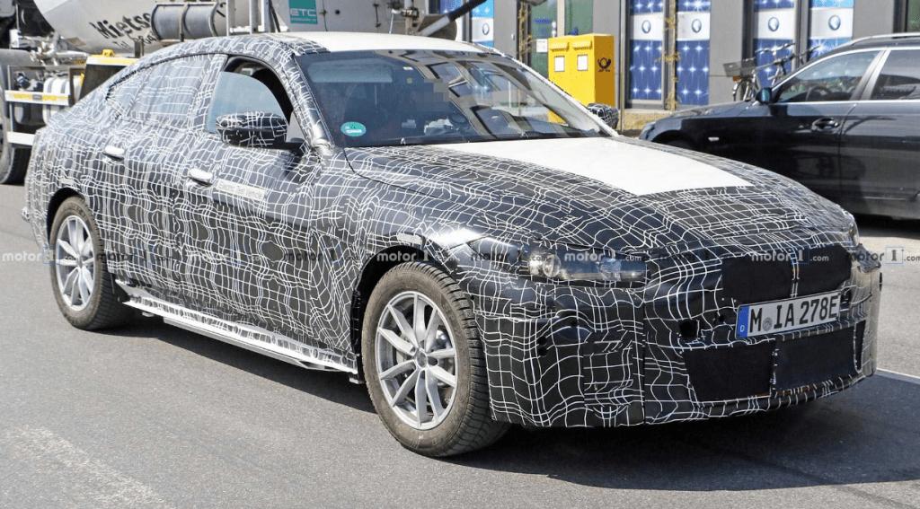 Фотошпионы заглянули внутрь электромобиля BMW i4 1