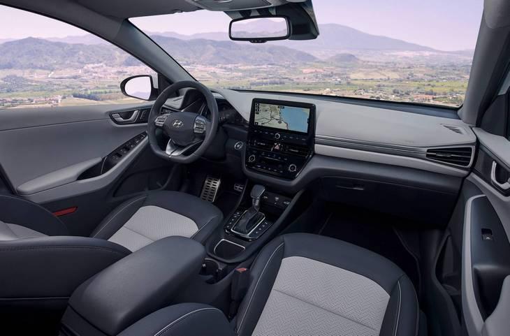 Hyundai Ioniq получит увеличенную дальность пробега и больше технологий 2
