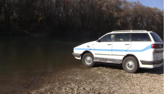 Пенсионер сделал уникальный автомобиль-амфибию своими руками 2