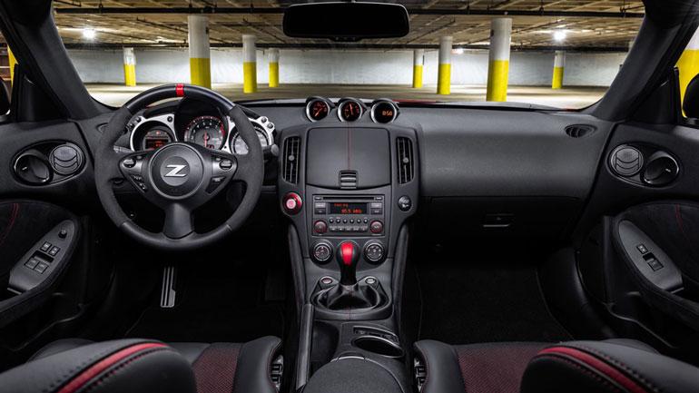 Nissan поставил крест на родстере 370Z 2