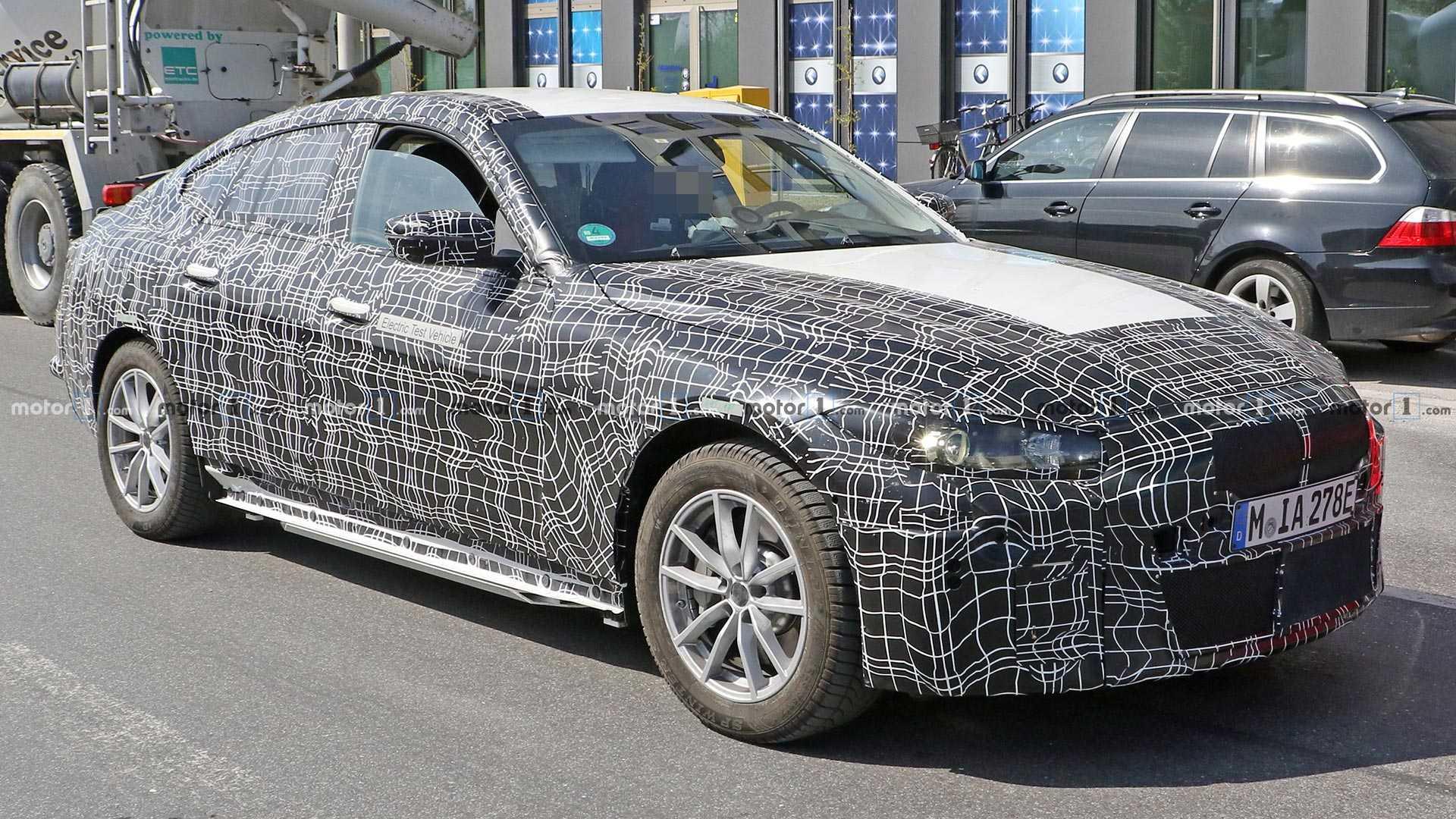 Новый электромобиль BMW i4 застали на дорогах 1