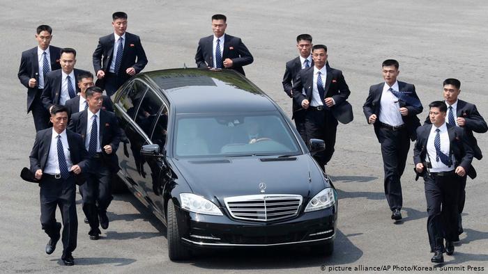 В Mercedes удивились, что Ким Чен Ын ездит на их автомобилях 1