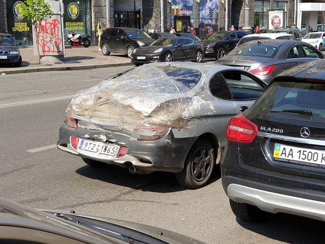 Авто на еврономерах поразило кошмарным ремонтом 1