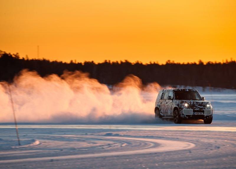 Новый Land Rover Defender впервые показали на фото 2