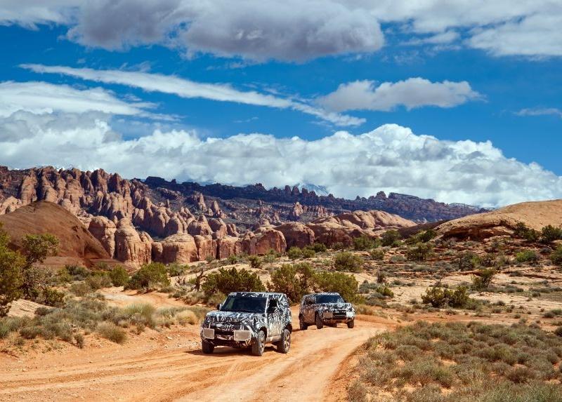 Новый Land Rover Defender впервые показали на фото 1
