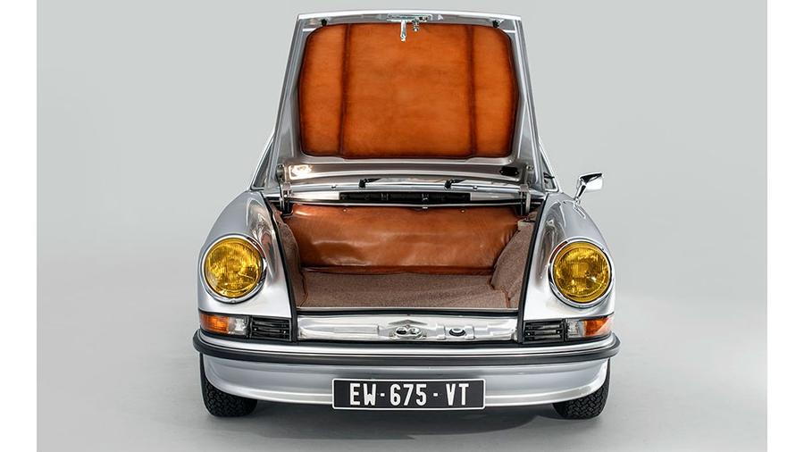 Porsche 911 Targa 1973 года продадут на аукционе 1