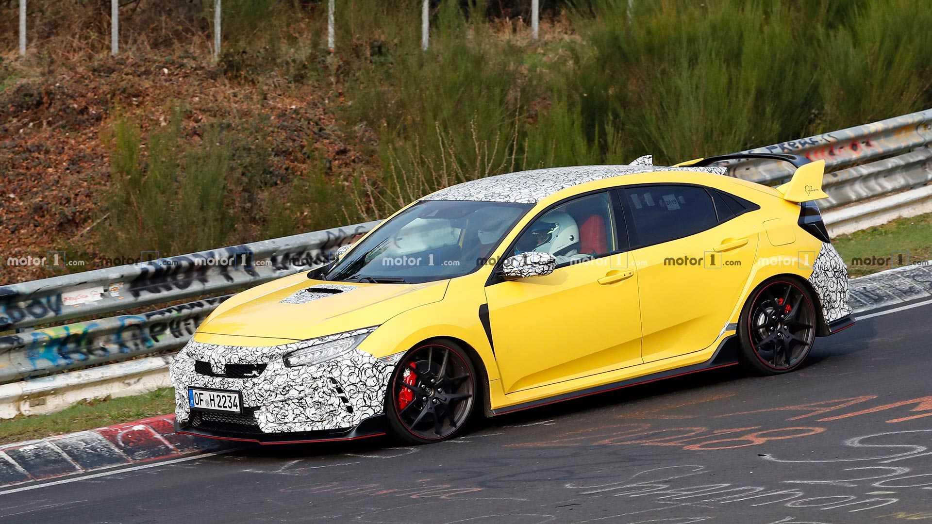 Загадочные прототипы Honda Civic Type R появились на «Нордшляйфе» 2