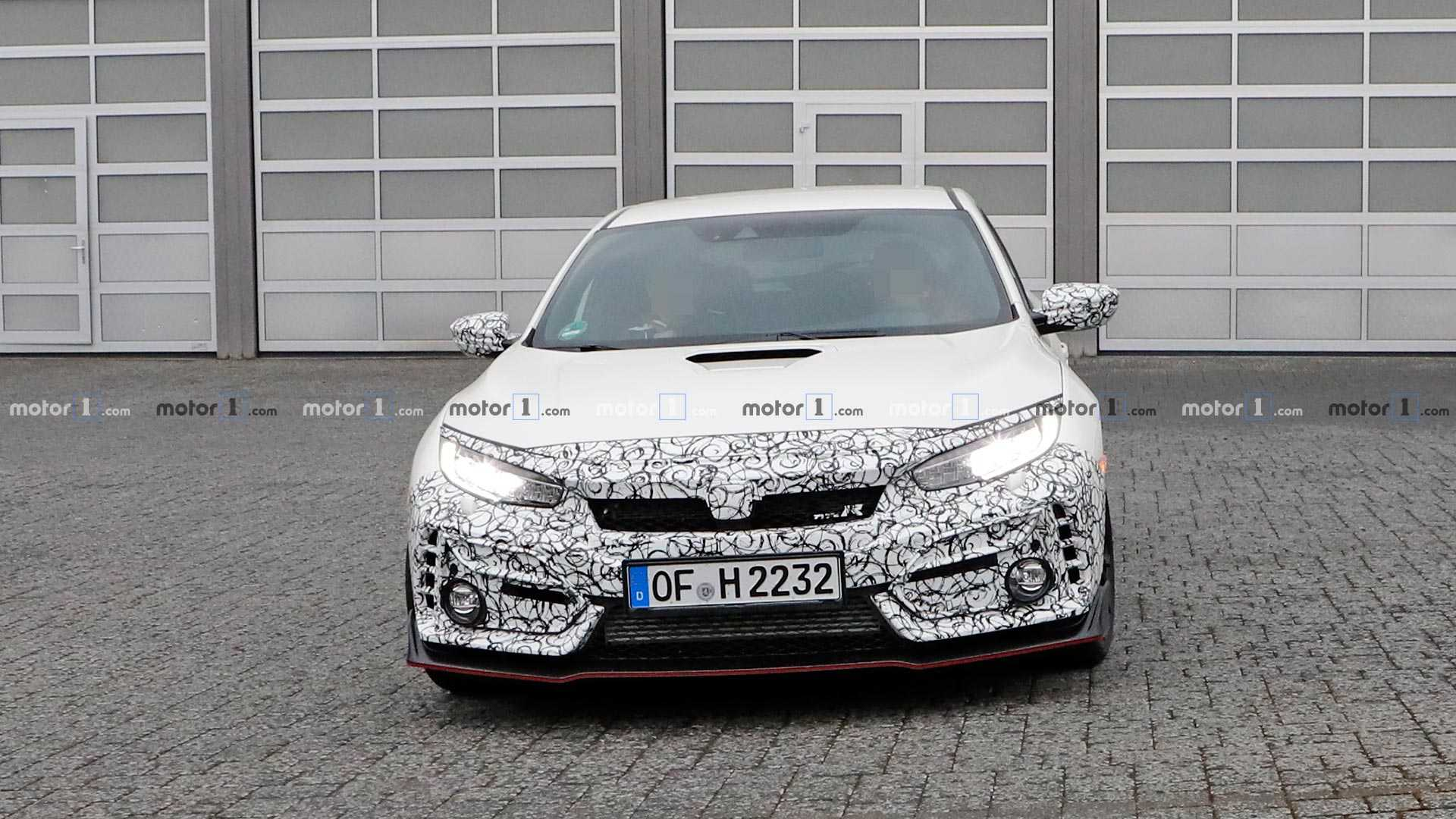 Загадочные прототипы Honda Civic Type R появились на «Нордшляйфе» 1