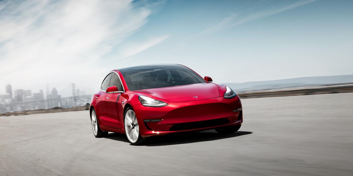 Tesla потеряла за три месяца более 700 миллионов долларов 1