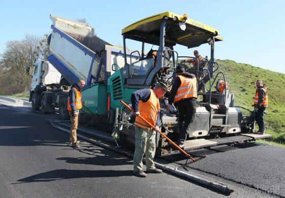 Гройсман отчитался об улучшении ситуации с ремонтом дорог 1