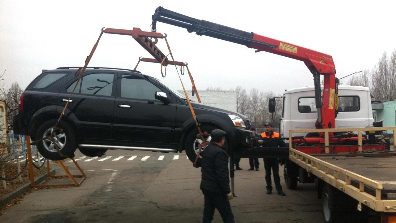 В Киеве начали работать первые муниципальные парковочные инспекторы 1