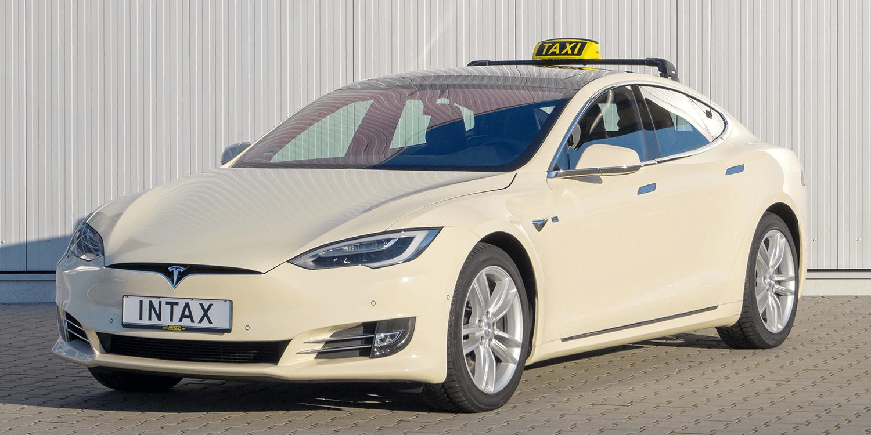 Илон Маск анонсировал запуск беспилотного такси в 2020 году 1