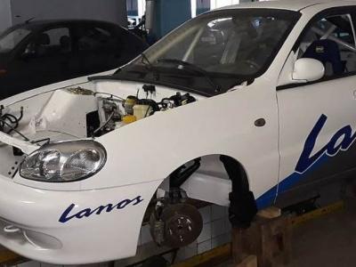В Украине продают гоночный мега-ЗАЗ 1