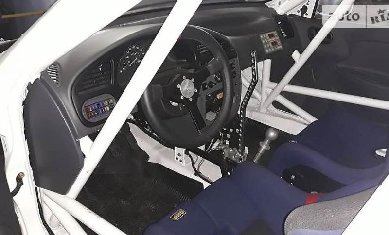 В Украине продают гоночный мега-ЗАЗ 2
