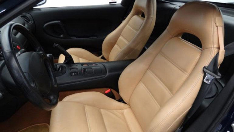 Идеальное купе Mazda RX-7 почти без пробега выставили на продажу 3