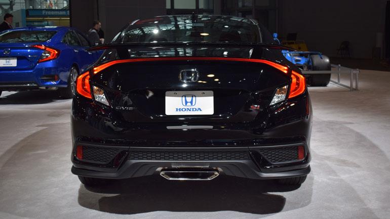 Honda представила «заряженный» Civic в модификации Si 2