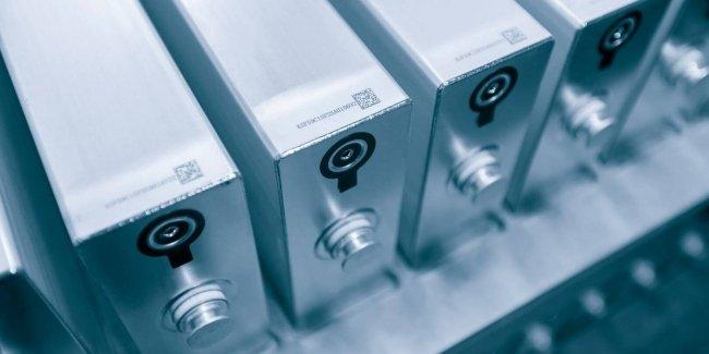 Ford инвестирует в разработчика прорывной твердотельной аккумуляторной батареи 1